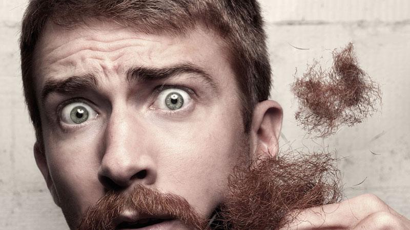 barba perfetta con il rasoio elettrico