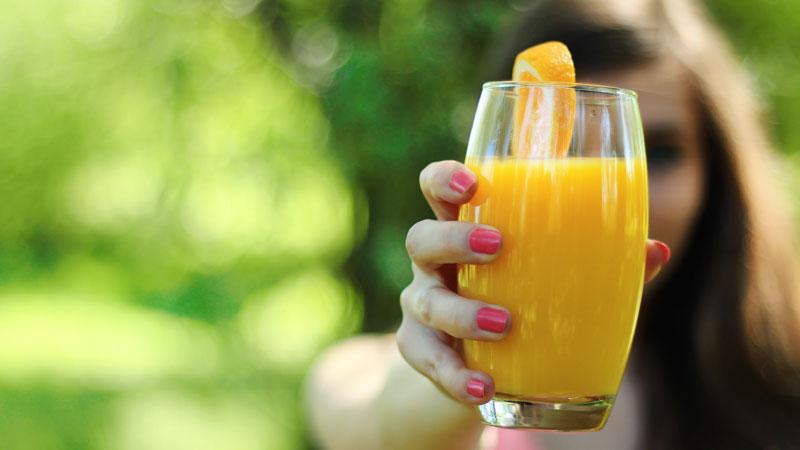 frutta fa bene con l estrattore di succo