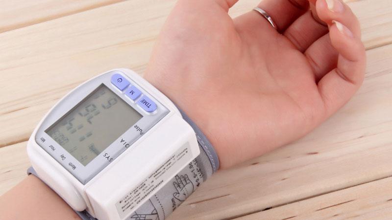 sfigmomanometro misurare la pressione fai da te